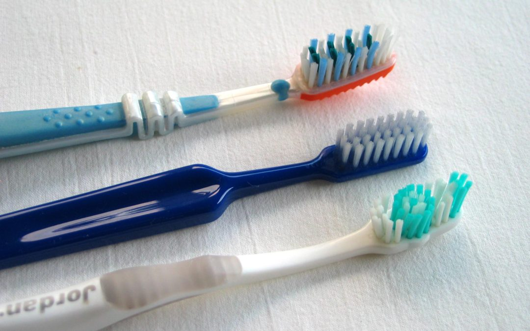 Important Tips to Help You Pick the Right Toothbrush